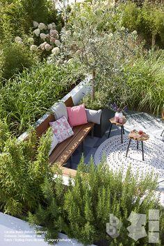 backyard designs – Gardening Ideas, Tips & Techniques Rooftop Garden, Balcony Garden, Potager Garden, Garden Paths, Outside Living, Outdoor Living, Back Gardens, Outdoor Gardens, Roof Gardens