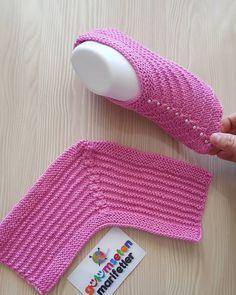 Most Trendy Women's Knit Booties – Knitting And We Crochet Girls Dress Pattern, Crochet Slipper Pattern, Crochet Socks, Crochet Baby Shoes, Knit Crochet, Outlander Knitting Patterns, Sweater Knitting Patterns, Knitting Socks, Knitted Booties