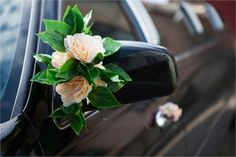 Decoration idea for the wedding car