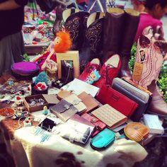 HOT - Hidden treasures - vintage flea market in Shanghai