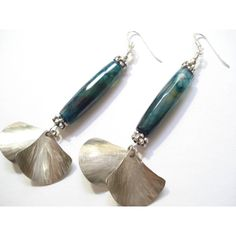 Green Big Agates Hammered Silver Dangle Earrings Modern Long Agates... ($29) ❤ liked on Polyvore featuring jewelry, earrings, green dangle earrings, silver earrings, silver dangle earrings, sterling silver jewelry and silver jewelry