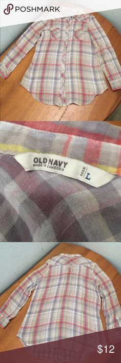 OLD NAVY White Gray Plaid PEARL SNAPS  Shirt  L. OLD NAVY White Gray Plaid PEARL SNAPS Western Women's Shirt Top SIZE L.  Beautiful weave in fabric.  Gray red yellow white plaid outside Inside is gray and white check Old Navy Tops