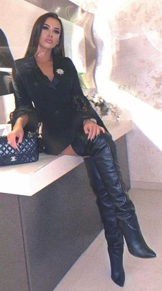 Thigh High Boots, High Heel Boots, Heeled Boots, Sexy Outfits, Pretty Outfits, Sexy Stiefel, Winter Boots Outfits, Botas Sexy, Skirts With Boots