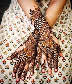Arabic Mehndi Designs, Henna Tattoo Designs Arm, Henna Designs Feet, Latest Bridal Mehndi Designs, Full Hand Mehndi Designs, Modern Mehndi Designs, Mehndi Design Photos, Mehndi Designs For Fingers, Dulhan Mehndi Designs