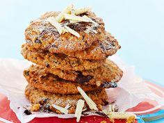 Suklaa-kauracookiet - Reseptit No Bake Cookies, Baking Cookies, Something Sweet, Pulled Pork, Salmon Burgers, Chocolate, Ethnic Recipes, Desserts, Food