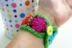 Granny Cuff Bracelet « The Yarn Box Free pattern Crochet Jewelry Patterns, Crochet Blanket Patterns, Crochet Accessories, Crochet Stitches, Crochet Jewellery, Handmade Jewellery, Crochet Designs, Unique Crochet, Love Crochet