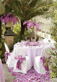 Al Fresco Dining - Lilac Purple Wedding, Wedding Flowers, Dream Wedding, Wedding Table, Wedding Reception, Patio Wedding, Garden Wedding, Decoration Shabby, Decoration Originale