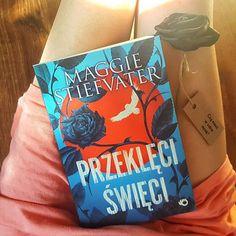 W końcu jest!  Weekendzie nadchodzę!  @wydawnictwo_uroboros #czymaszwsobiemrok #przekleciswieci #czytamzuroboros #bookaddict #bookoholic #bookstagram #bookaholic #book #books #ksiazka #ksiazki #ksiażki #książka #czytambolubie #czytam #kakaludek #polska #poland #poznań #poznan