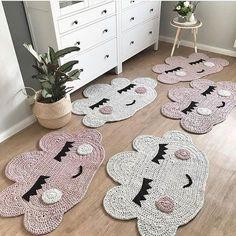 New Diy Baby Projects Nursery Patterns Ideas Crochet Mat, Crochet Rug Patterns, Crochet Carpet, Crochet Doilies, Crochet Toys, Nursery Patterns, Creation Deco, Nursery Rugs, Crochet Home Decor