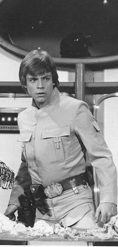 """Behind you! Look behind you! Mark Hamill guest-stars on """"The Muppet Show""""."""