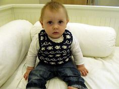 Ravelry: Guppy pattern by Torya Winters Guppy, Fish Design, Cosy, Ravelry, Baby Kids, Warm, Pattern, How To Make, Pullover