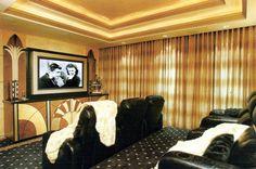 Home cinema room Deco style