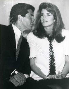 John Kennedy Jr., Caroline Kennedy 1991 Boston.jpg
