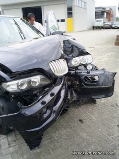 BMW X-Series X5 crashed in Oss