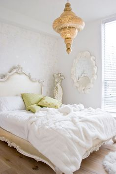 Glamorous bedroom design with Moroccan style chandelier | Peridot Design