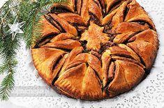 Gwiazda drożdżowa z Nutellą, to szybkie w przygotowaniu i efektowne ciasto na święta, ale i nie tylko. Można przygotować je na różne okazje, tworząc z ciasta różne wzory. Polecam i smacznego! Składniki (tortownica o średnicy 24 cm): 430 g mąki pszennej (2 szklanki) 7 g drożdży instant (25 g drożdży świeżych) 180 ml mleka 30 [...] Apple Pie, Cupcakes, Sweets, Cookies, Desserts, Food, Tasty Food Recipes, Crack Crackers, Tailgate Desserts