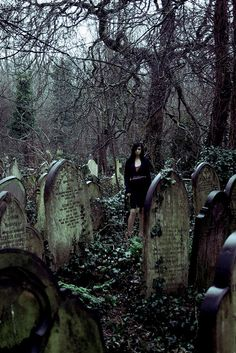 I love graveyards.  Does that seem strange?  There is something so beautiful and profound about them.  Buried there are the shells of souls who now know the other side.  It's like looking at an empty crib after a child has grown up, but even more peaceful.