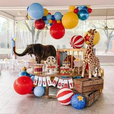 Festa Moana: 70 decorating ideas and theme pictures - Home Fashion Trend Circus Party Decorations, Circus Carnival Party, Circus Theme Party, Carnival Birthday Parties, Birthday Party Themes, Vintage Circus Party, Circus Wedding, Circus Circus, Vintage Carnival