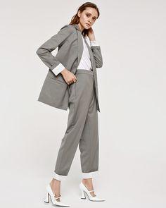Безразмерный пиджак, широкие мужские брюки и еще 23 способа подчеркнуть женственность   Журнал Harper's Bazaar