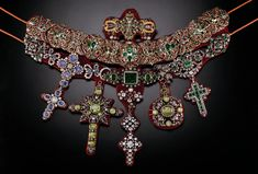 Necklace from treasures deposit for San Gennaro, from 14 th c. and up no exact date for this necklace. San Gennaro was the bishop of Naples who was martyred by Diocletian in 305 Ancient Jewelry, Antique Jewelry, Vintage Jewelry, Royal Jewels, Crown Jewels, San Gennaro, Fine Jewelry, Jewelry Making, Jewellery