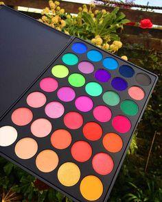 I love this Morphe palette. Such pretty colors! Makeup Goals, Makeup Kit, Skin Makeup, Makeup Inspo, Eyeshadow Makeup, Makeup Cosmetics, Makeup Inspiration, Makeup Brushes, Beauty Makeup