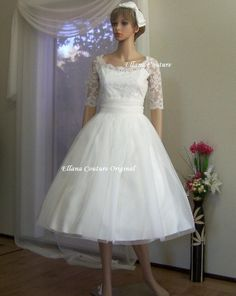 Hey, I found this really awesome Etsy listing at http://www.etsy.com/listing/79940947/leila-vintage-inspired-wedding-dress