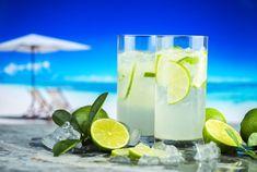 Kiwi Juice, Juice Smoothie, Cocktails, Cocktail Drinks, Mojito, Lime Drinks, Fruit Juice Recipes, Lemonade Cocktail, Lemon Water
