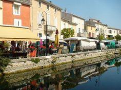 Isle-sur-la-Sorgue Sunday Market. Provence.