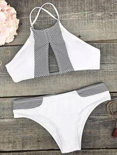 La raya del recorte del bikini de cuello alto