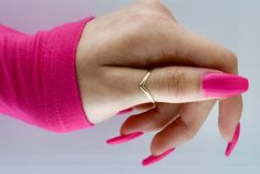V Thumb Ring - Thumb Ring - Chevron Thumb Ring - Thumb Rings - Thumb Rings for women - Dainty Rings - Minimalist Rings - Stacking Rings Cleaning With Bleach, Bold Rings, Dental Floss, Thumb Rings, Dainty Ring, Ring Finger, Stacking Rings, Pretty In Pink, Chevron