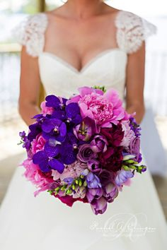Creatively Glamorous Wedding Ideas - bridal bouquet. photo: Rowell Photography