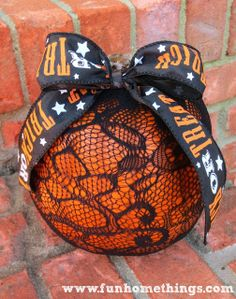 This is so easy to make! DIY lace pumpkin tutorial