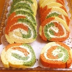 Culorile din farfurie: Tricolor rolls appetizer with cream cheese Finger Food Appetizers, Healthy Appetizers, Finger Foods, Appetizer Recipes, Snack Recipes, Cooking Recipes, Snacks, Amazing Food Decoration, Milk Recipes