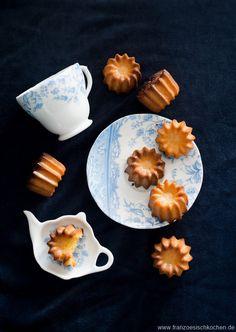 Cannelés Passionsfrucht | Rezept | Französisch kochen