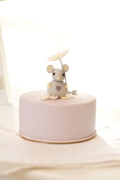 little mouse cake detail by petite homemade