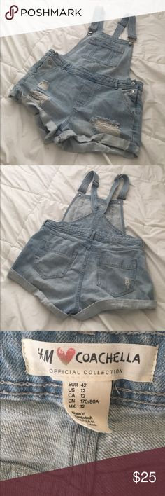 Light denim overalls H&M Coachella collection light demon overalls! Their size 12 equates to a Medium. H&M Jeans Overalls
