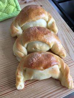 Húsvéti szarvacskák Bagel, Bread, Recipes, Food, Brot, Recipies, Essen, Baking, Meals