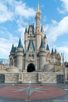 Cinderella Castle turret and forecourt construction - Photo 5 of 7 Disney World Magic Kingdom, Disney World Castle, Disney World Vacation, Disney Vacations, Walt Disney World, Disney Castles, Walt Disney Castle, Magic Kingdom Castle, Disney Trips