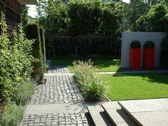 Jaren30woningen.nl   Moderne tuin bij een #jaren30 woning
