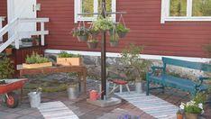örtkorgar i en träställning Patio, Garden, Outdoor Decor, Home Decor, Garten, Decoration Home, Room Decor, Lawn And Garden, Gardens