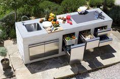 superbe cuisine d'extérieur avec espaces rangement