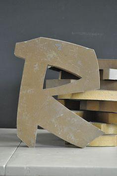 Lettres en zinc