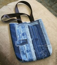 how to sew a stylish bag from old jeans. Denim Bags From Jeans, Diy Jeans, Denim Purse, Denim Belt, Denim Crafts, Jean Crafts, Denim Bag Patterns, Blue Jean Purses, Diy Bags Purses