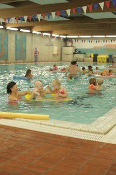 På Bøler bad i bydel Østensjø er det hele 32 grader i vannet, noe som gjør badet spesielt egnet for blant annet babysvømming.  Du finner mer informasjon om Bøler bad på vårt sosiale nyhetsrom: http://nyhetsrom.bymiljoetaten.no  Kort video: https://www.youtube.com/watch?v=jK0e3ngu96I&list=UUw_yOBgXCWg1VioGJNZjzIw  © Videoen er produsert av Bymiljøetaten.