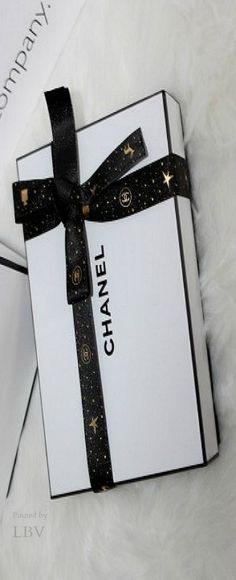 A Merry ♥✤Chanel Christmas