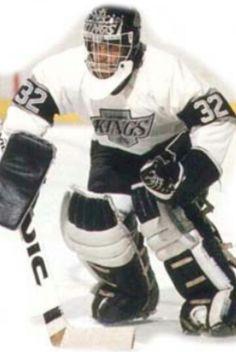 My best Kings goaltender over the last 25 years, Kelly Hrudey. La Kings Hockey, Goalie Mask, Los Angeles Kings, World Of Sports, Old School, Motorcycle Jacket, Fan, Hand Fan, Fans