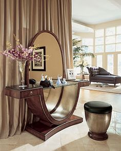 Old Hollywood Glamour: Home Decor; very unique dressing table