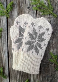 JOULUTÄHTI LAPASET Knitted Gloves, Knitting Socks, Drops Design, Hand Warmers, Handicraft, Knit Crochet, Arts And Crafts, Wool, Crocheting