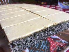 Vynikající makové žloutkové řezy   NejRecept.cz Czech Recipes, Party Platters, Creative Food, Cheesecake, Food And Drink, Pie, Pudding, Sweets, Baking