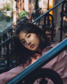 171018 Yuri - Bobbi Brown from realsungwook Instagram